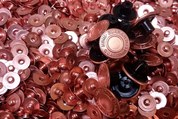 buttons, buttonholes, covered buttons, rivvets, jeans, jeans buttons dmbuttons